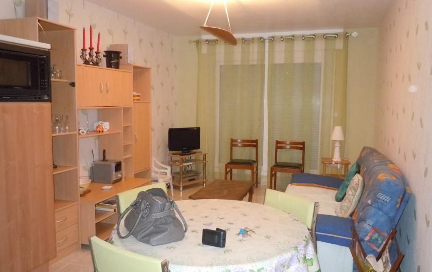 Location de vacances - Appartement à Courseulles-sur-Mer - Vue sur le coin salon