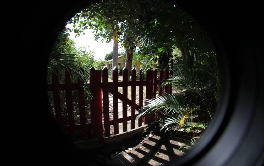 Location de vacances - Villa à Les Avirons - l'entrée des Lataniers