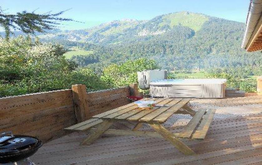 Location de vacances - Chalet à La Chapelle-d'Abondance - terrasse avec le jaccuzi