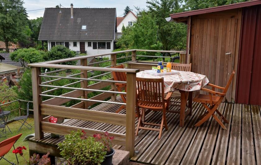Location de vacances - Appartement à Haegen - terrasse extérieure bois