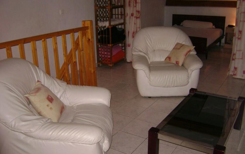 Location de vacances - Appartement à Le Lavandou - salon mezzanine