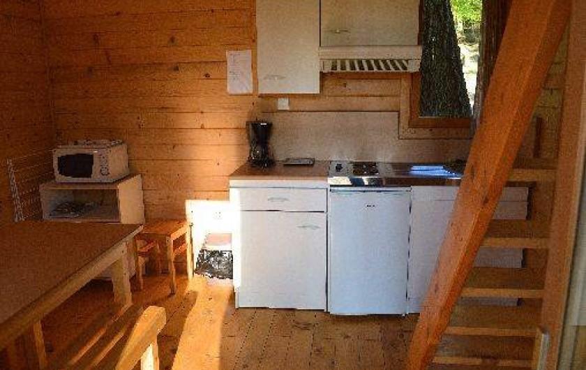 Location de vacances - Gîte à Crisolles - Gîte standard - rez-de-chaussée - coin cuisine