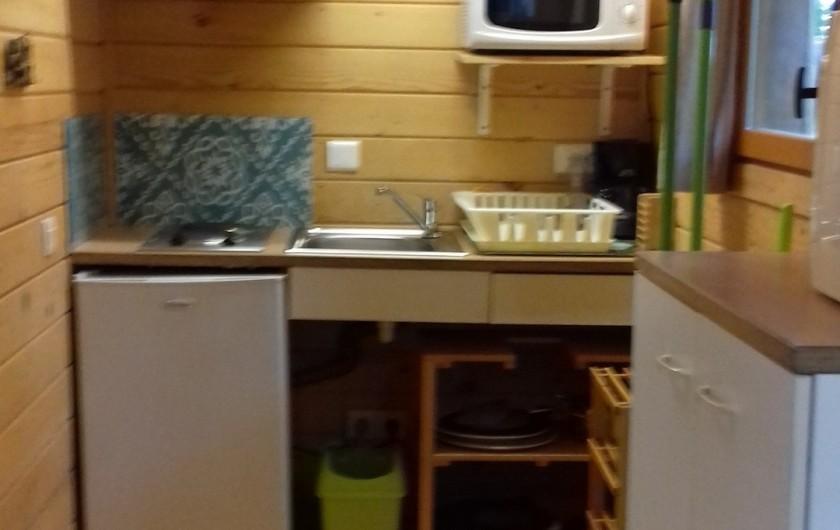 Location de vacances - Gîte à Crisolles - Gîte accessible - rez-de-chaussée - coin cuisine