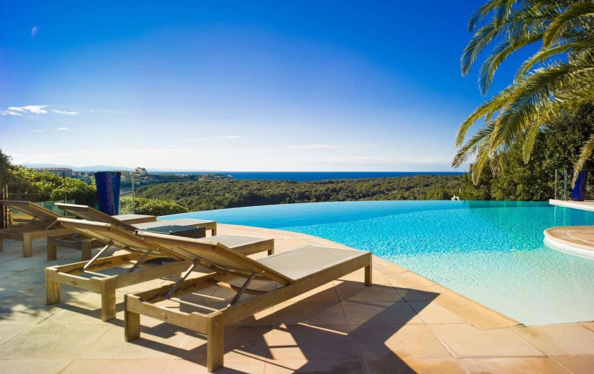 Location de vacances - Villa à Bonifacio - Piscine chauffée