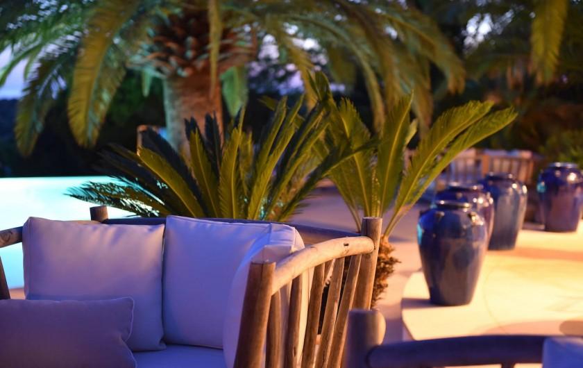 Location de vacances - Villa à Bonifacio - Salon de piscine