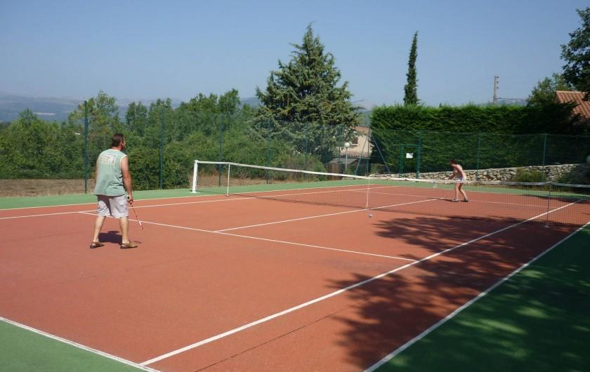Location de vacances - Villa à Saint-Cézaire-sur-Siagne - Le tennis