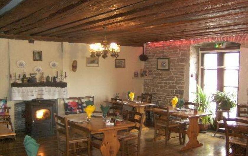 Location de vacances - Chambre d'hôtes à Charézier - Salle de restauration