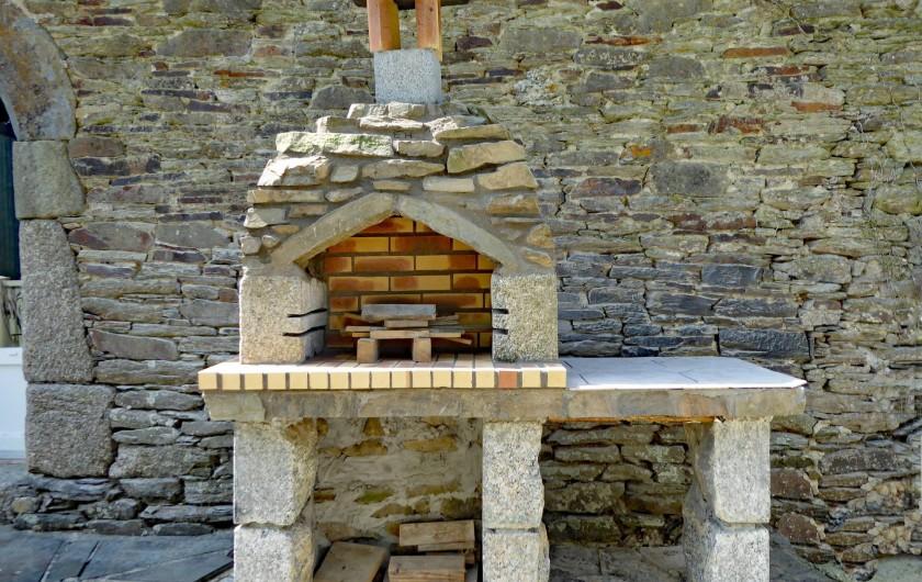 Location de vacances - Gîte à Saint-Igeaux - barbecue