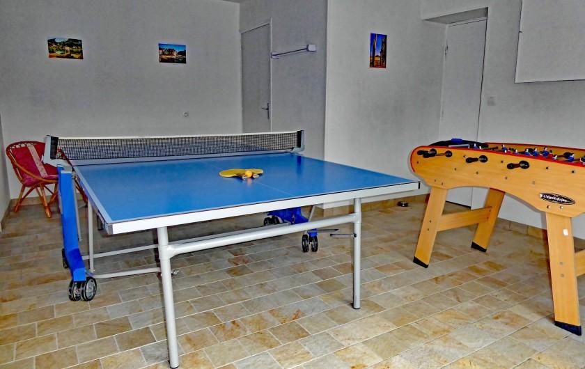 Location de vacances - Gîte à Saint-Igeaux - salle de jeux