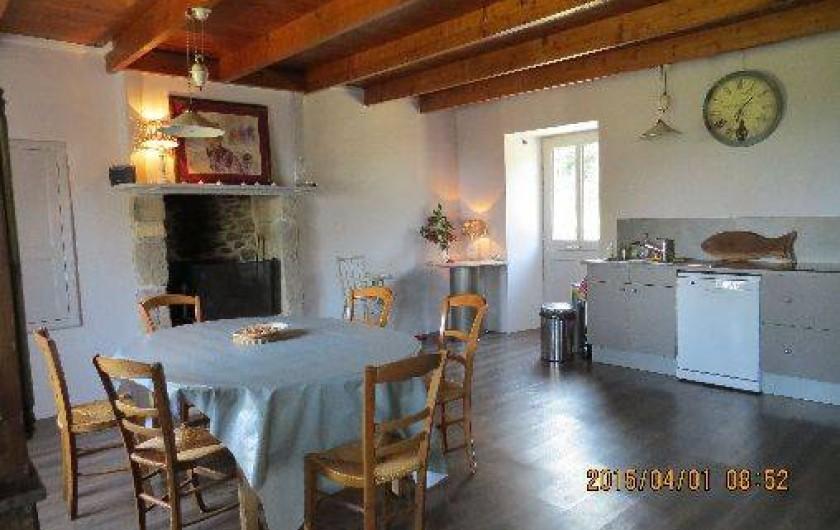Location de vacances - Maison - Villa à Éculleville - salle à manger ouverte sur cuisine