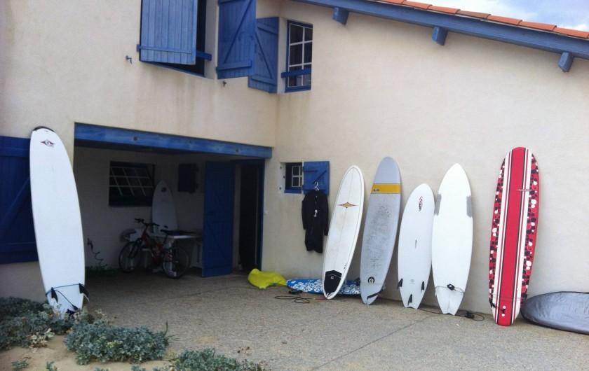 Location de vacances - Villa à Vielle-Saint-Girons - Remise pour vélos,  planches de surf et mobilier de jardin
