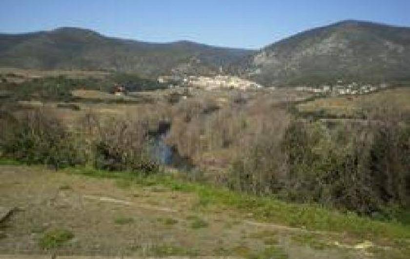 Location de vacances - Villa à Cazouls-lès-Béziers - A 15 km ' les Cevennes. en toile de fond Roquebrun, micro- climat.