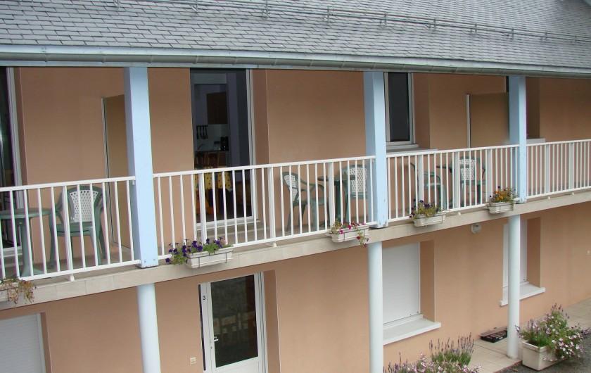 Location de vacances - Appartement à Guchen - Balcon de divers appartements