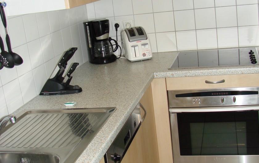 Location de vacances - Appartement à Guchen - Four - Lave vaisselle - grille - pain - cafetière d'un autre appartement