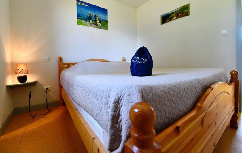 Location de vacances - Chalet à Boisset - Chambre parentale