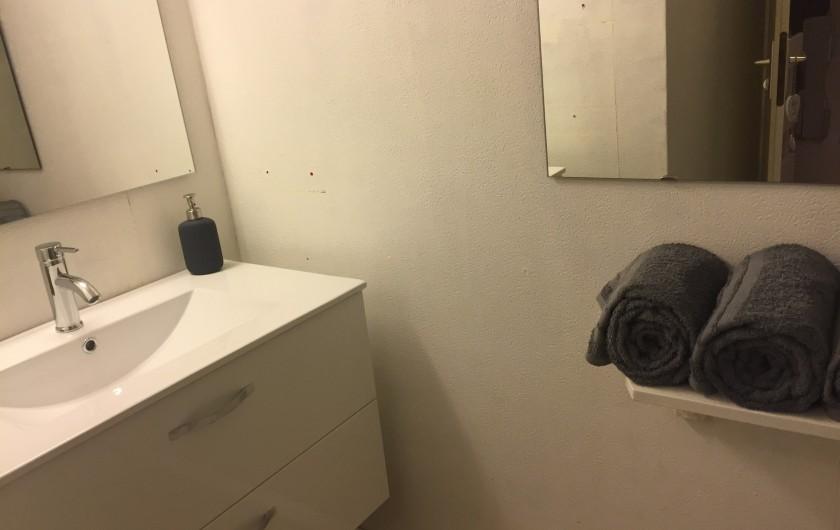 Location de vacances - Appartement à Sète - salle de bain