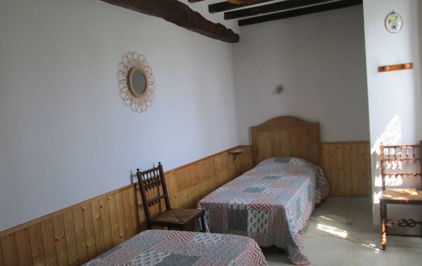 Location de vacances - Gîte à Gondrin - Chambre Est (2 lits en 90)