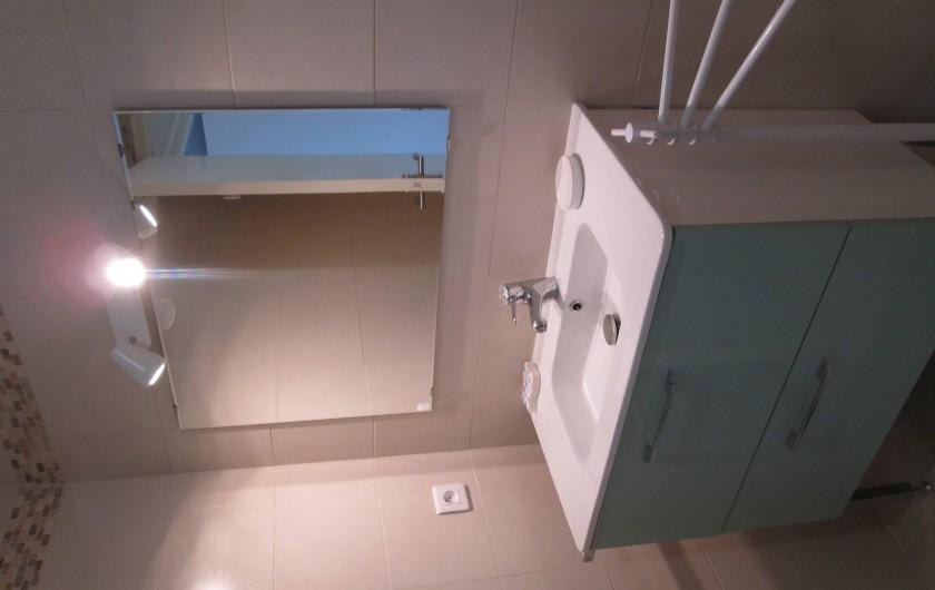 Location de vacances - Gîte à Gondrin - Salle d'eau