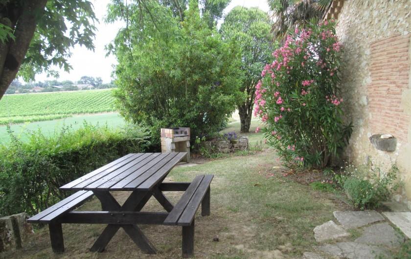 Location de vacances - Gîte à Gondrin - Table d'extérieur