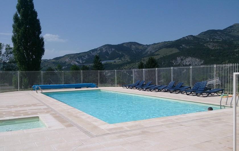 Location de vacances - Bungalow - Mobilhome à Saint-Vincent-les-Forts - La piscine