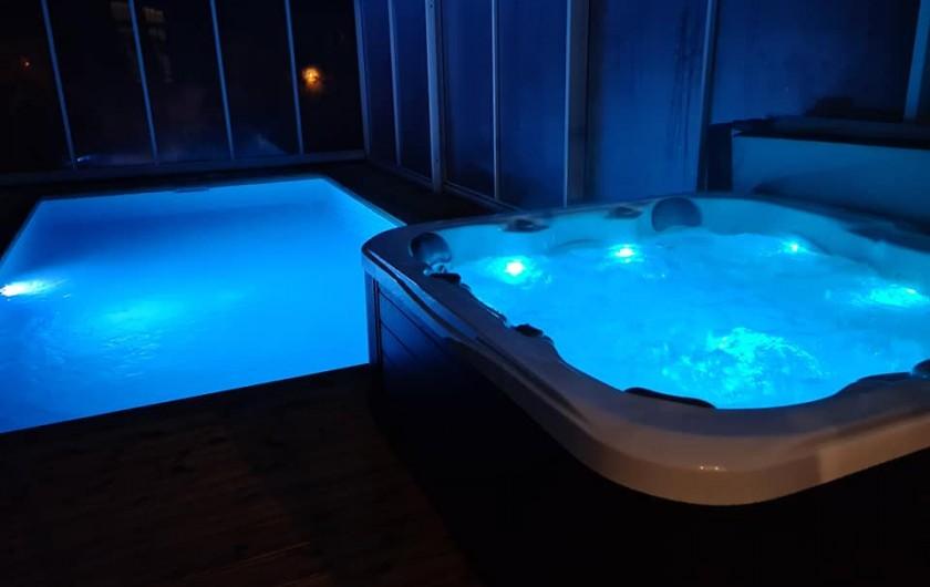 Location de vacances - Gîte à Bournezeau - Piscine et spa de nuit