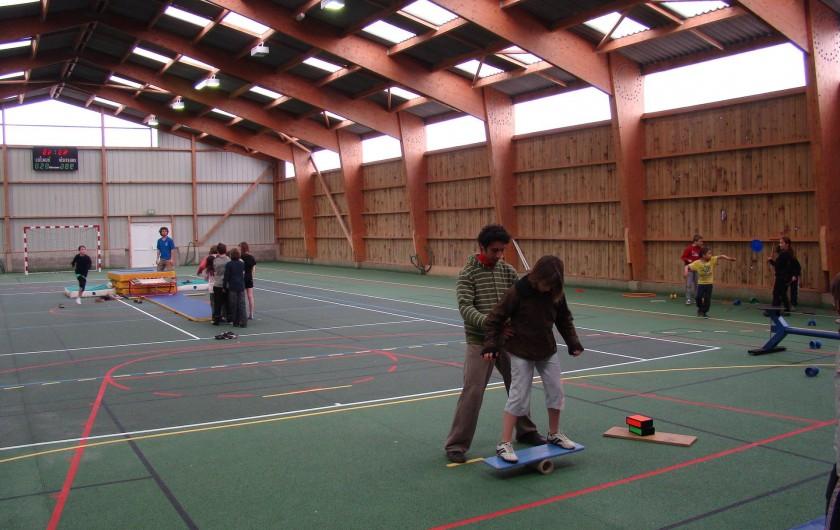 Location de vacances - Chalet à Senones - GYMNASE sur place - toutes les activités sont possibles