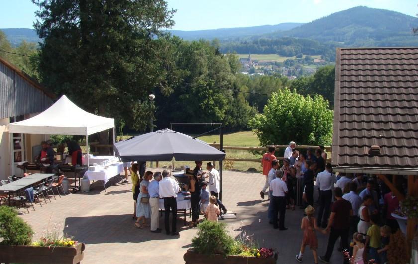 Location de vacances - Chalet à Senones - Réception sur terrasse - Clos Malpré