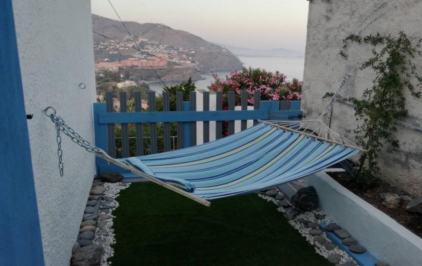 Location de vacances - Villa à Almuñécar - hamac avec vue sur mer  terrasse