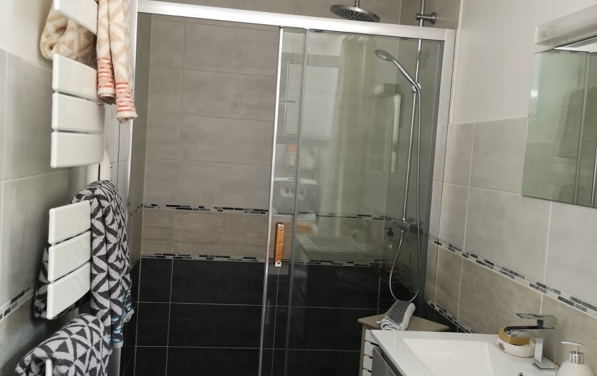 Location de vacances - Villa à Séchilienne - salle de bain