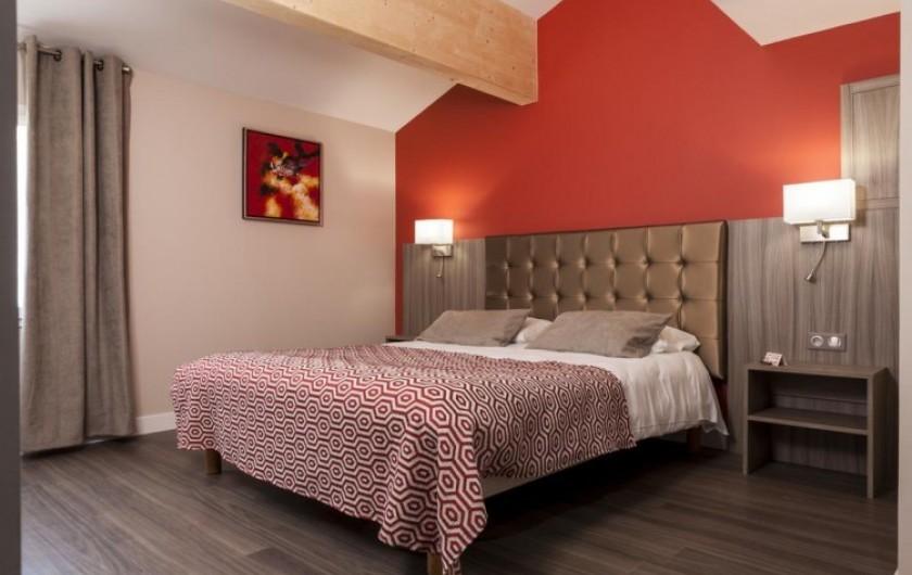 Location de vacances - Chambre d'hôtes à Foix - CHAMBRE DOUBLE SUPÉRIEUR CONFORT  25m2 (1grand lit 160)