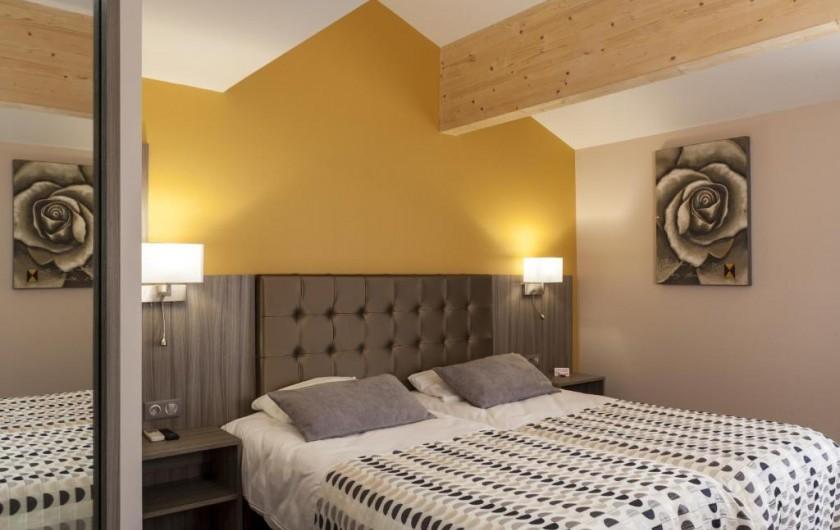 Location de vacances - Chambre d'hôtes à Foix - CHAMBRE TWIN SUPÉRIEUR CONFORT 25m2