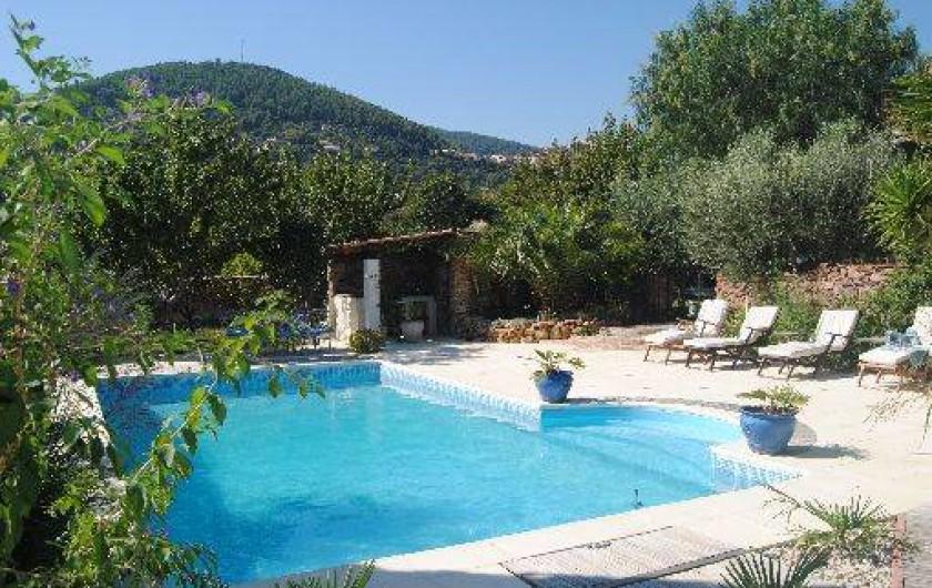 Les figuiers ancienne bergerie en provence avec piscine et for Piscine sollies pont