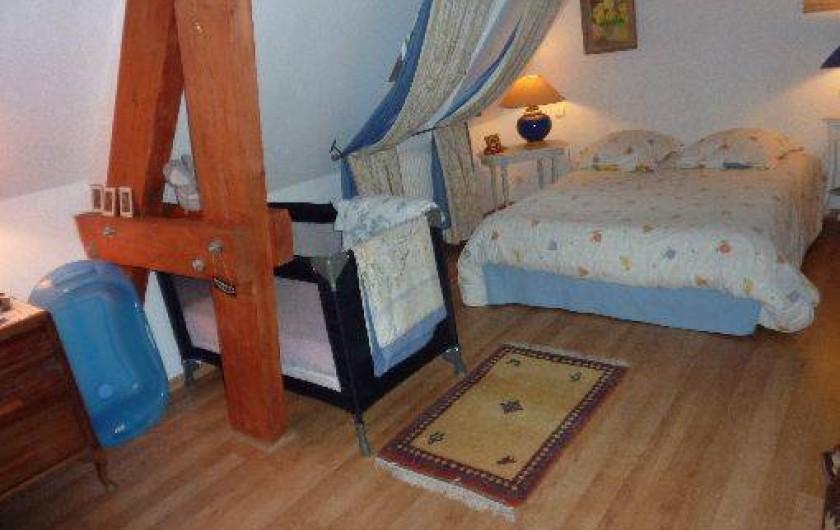 Location de vacances - Chambre d'hôtes à Saint-Raphaël - chambre Lamartine avec lit de bb
