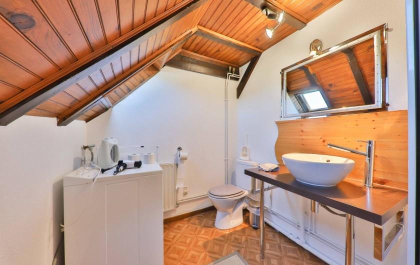 Location de vacances - Gîte à Sondernach - La salle de bains au 1er étage
