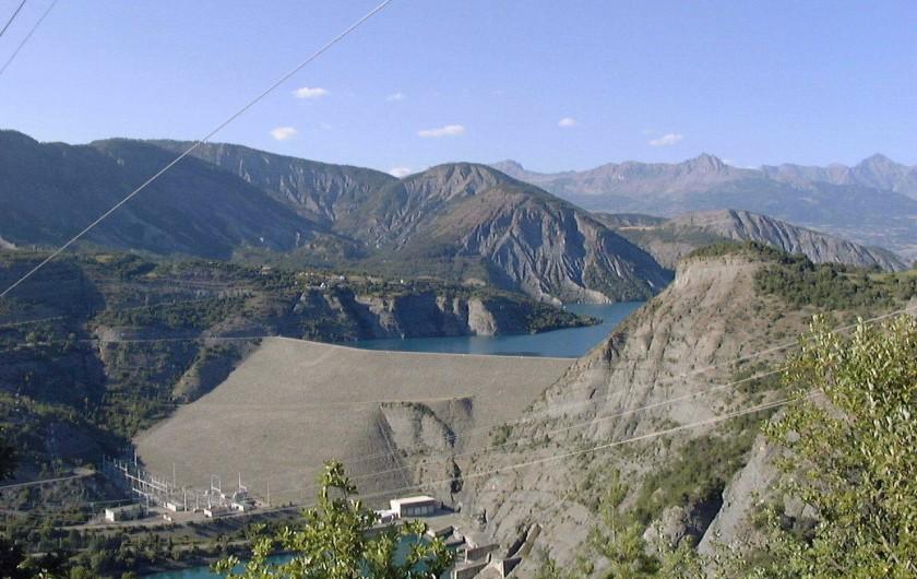 Location de vacances - Chalet à La Bréole - Barrage du Lac