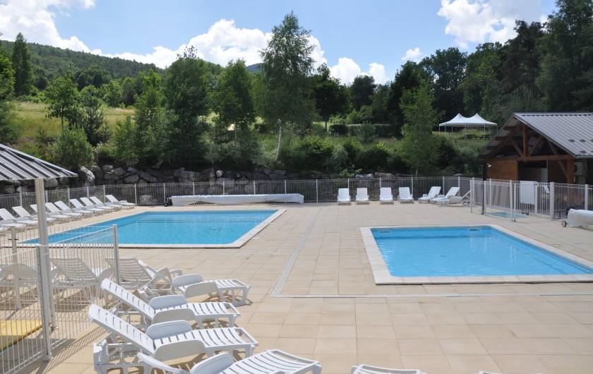 Location de vacances - Chalet à La Bréole - Les piscines chauffées