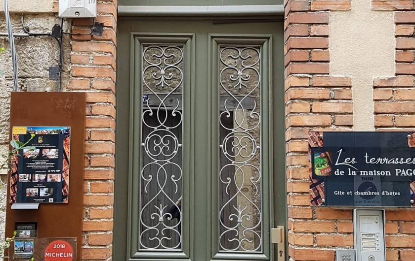 Location de vacances - Appartement à Villefranche-de-Rouergue - Entrée de la maison