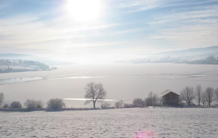 Location de vacances - Gîte à Malbuisson - Le lac en hiver