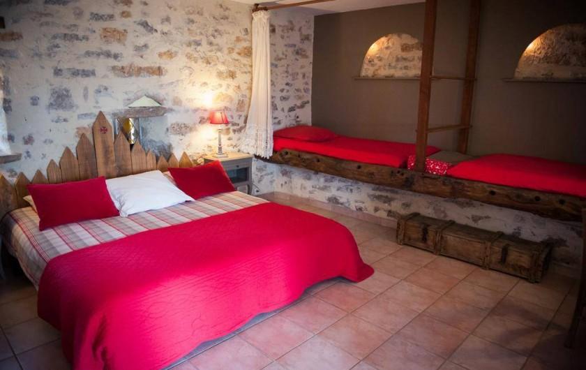Location de vacances - Chambre d'hôtes à Tour-de-Faure - Chambre quadruple