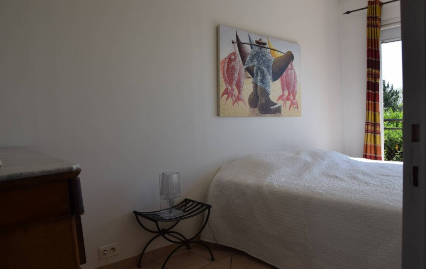 Location de vacances - Villa à Antibes - toujours chambre 2 vue sur mer depuis le lit