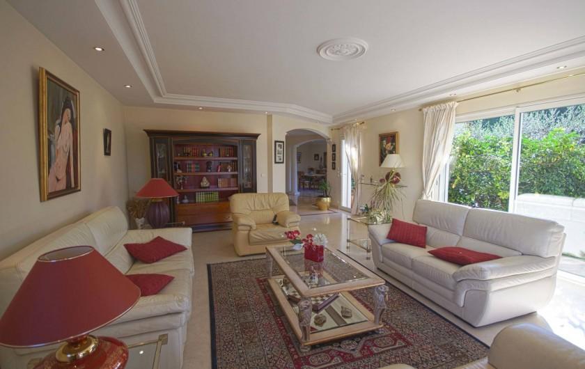 Location de vacances - Villa à Mougins - SALON