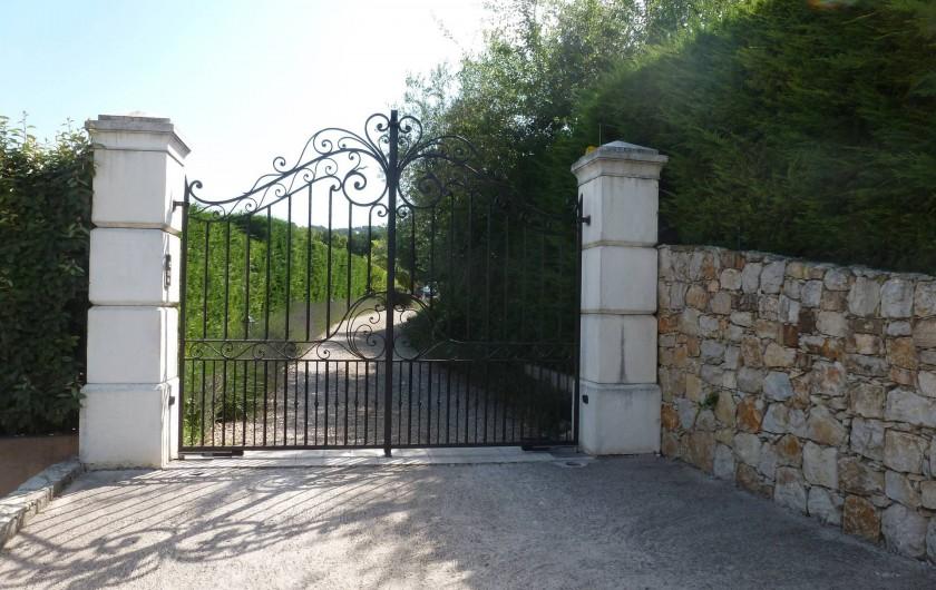 Location de vacances - Villa à Mougins - ENTREE  DE LA VILLA