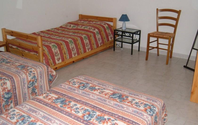 Location de vacances - Gîte à Saint-Romain-en-Viennois - Chambre étage Gite 2 avec 3 lits de 90 + 1 tiroir lit de 90