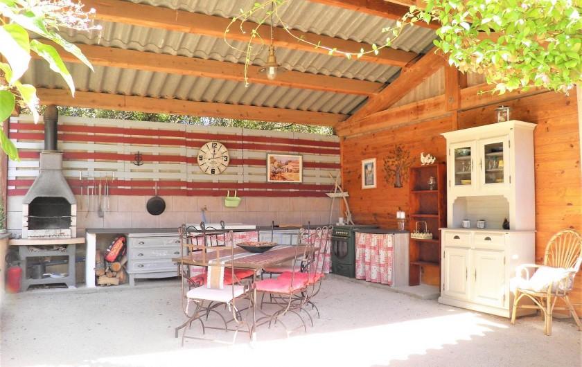 Location de vacances - Villa à Saint-Michel-d'Euzet - Cuisine d'été
