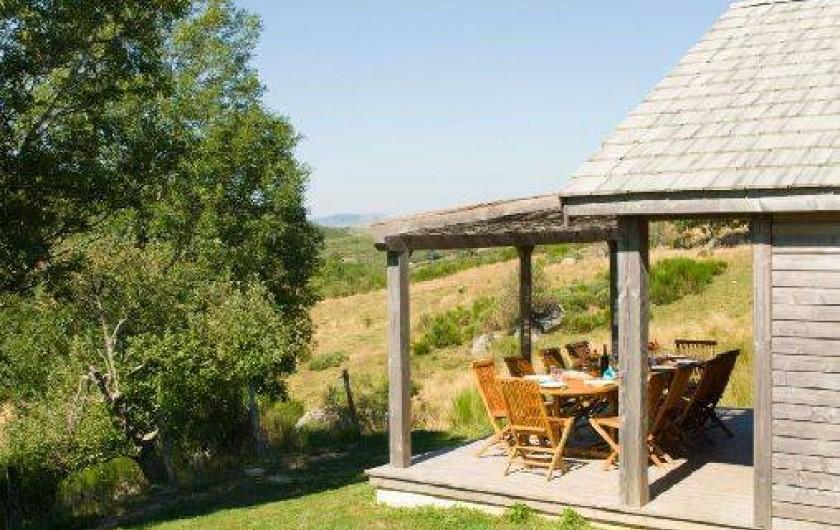 Location de vacances - Gîte à Le Pont-de-Montvert - Terrasse grand chalet 2