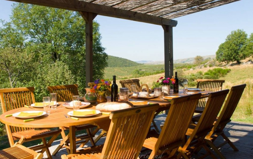 Location de vacances - Gîte à Le Pont-de-Montvert - Terrasse chalet