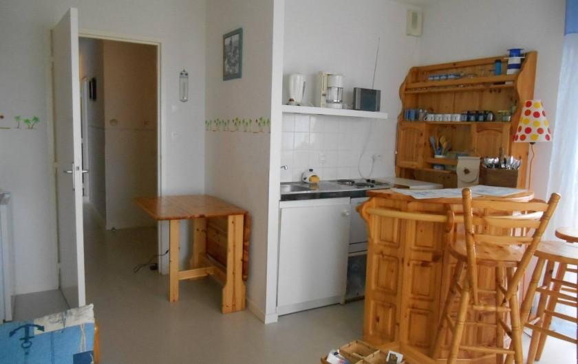 Location de vacances - Appartement à La Barre-de-Monts - Pièce de vie avec espace kitchenette