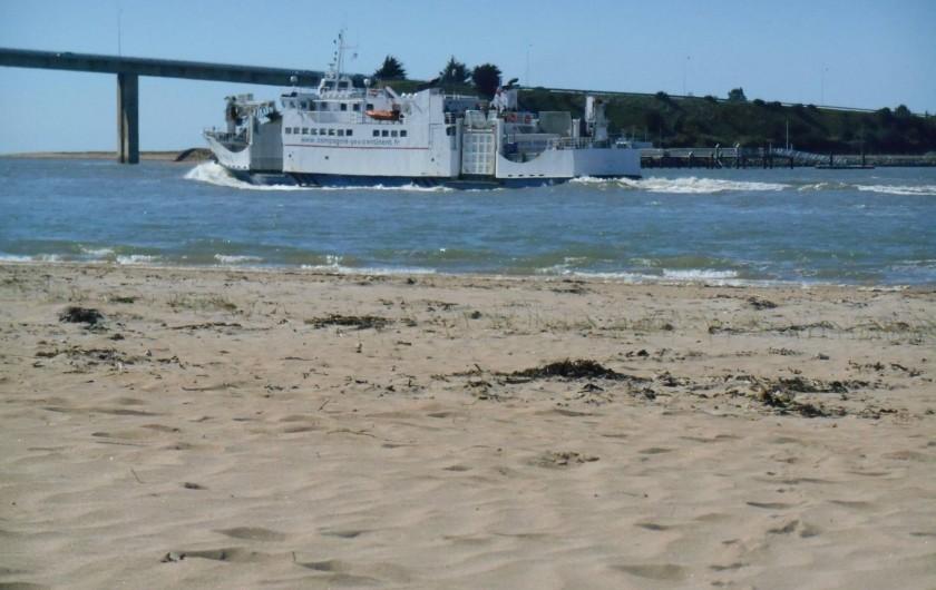 Location de vacances - Appartement à La Barre-de-Monts - Plage surveillée avec départ de bateaux pour l'ile d'Yeux