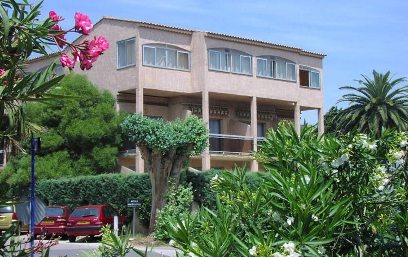 Location de vacances - Studio à Cavalaire-sur-Mer - Côté sud face à la mer