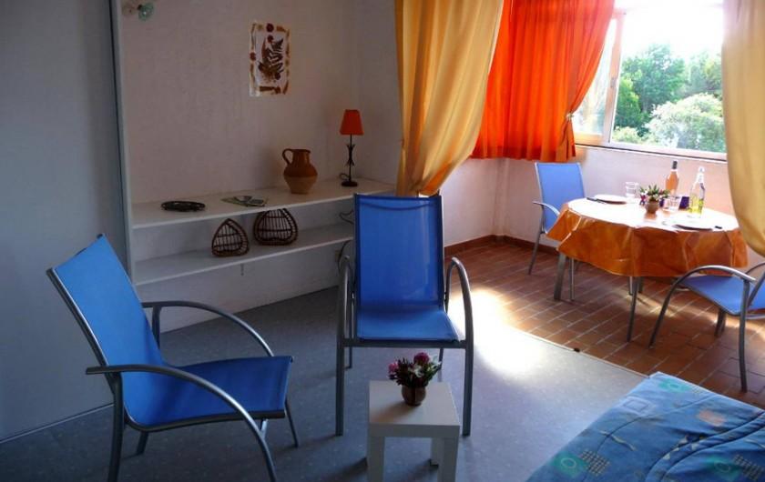 Location de vacances - Studio à Cavalaire-sur-Mer - Séjour